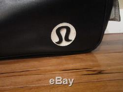 LULULEMON yoga mat gym bag in black and White o/s with mat cleaner